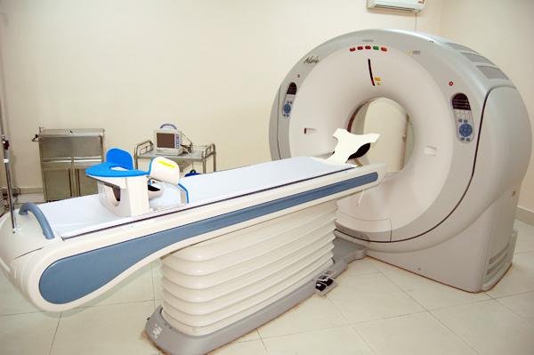 东芝AQullion16螺旋CT维修:机头托内遗漏造影剂致伪影故障修复